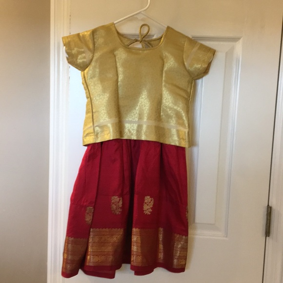 Other - Girls Lehnga dress 🇮🇳 India gold cranberry